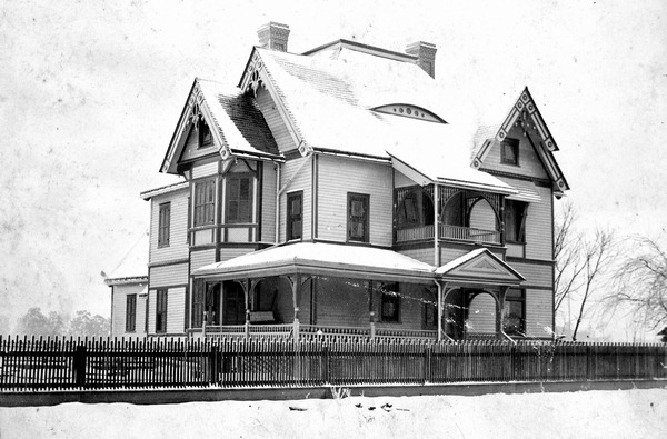 Snow on a house in 1895