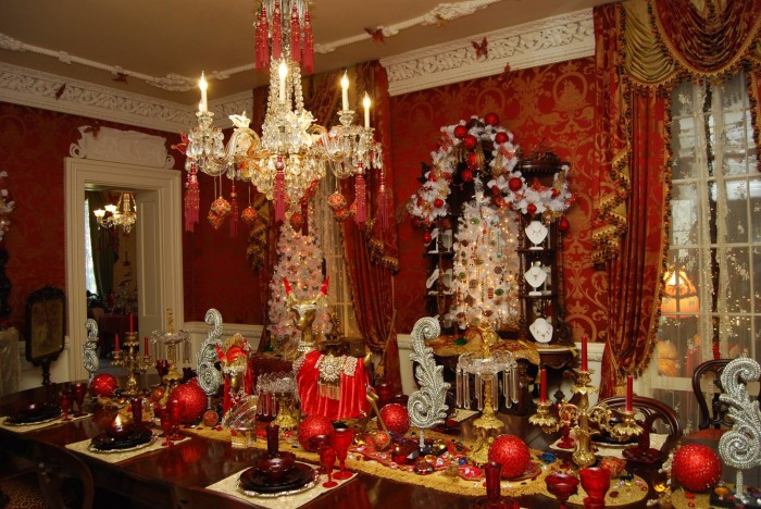12. The Jeweled Christmas at the Towers, Natchez