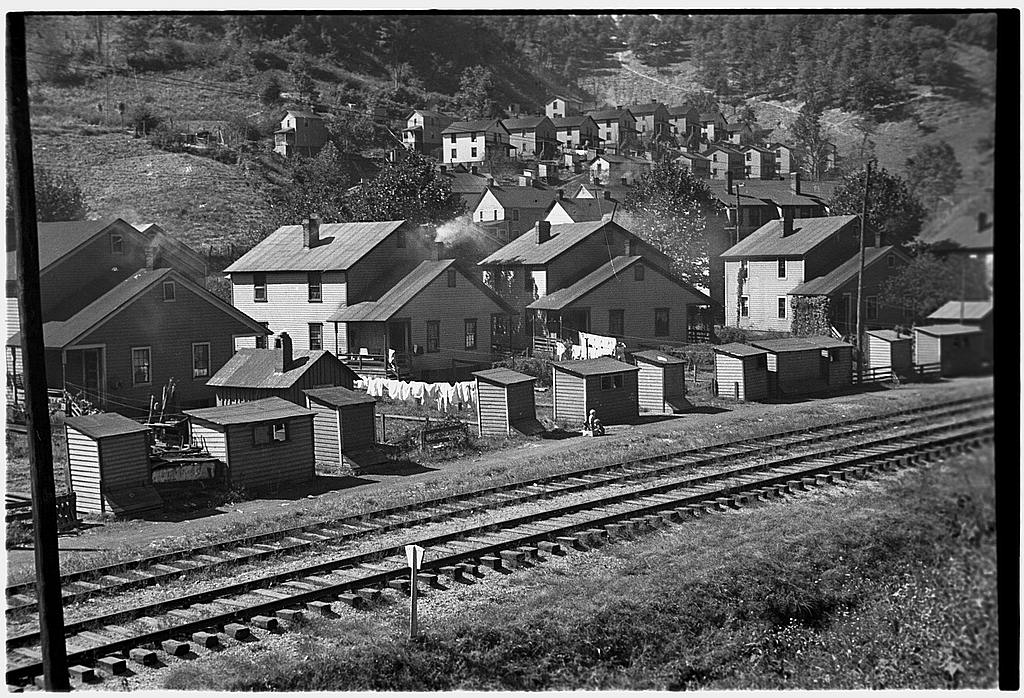16 Photos From West Virginia Coal Camps In The 1930s