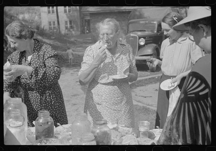 8. These ladies are attending a Sunday school picnic in Jere in 1938.
