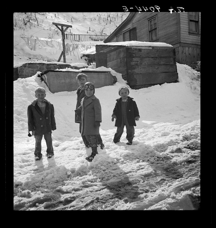 15. Playing Outside, Blue Blaze Coal Mine near Price