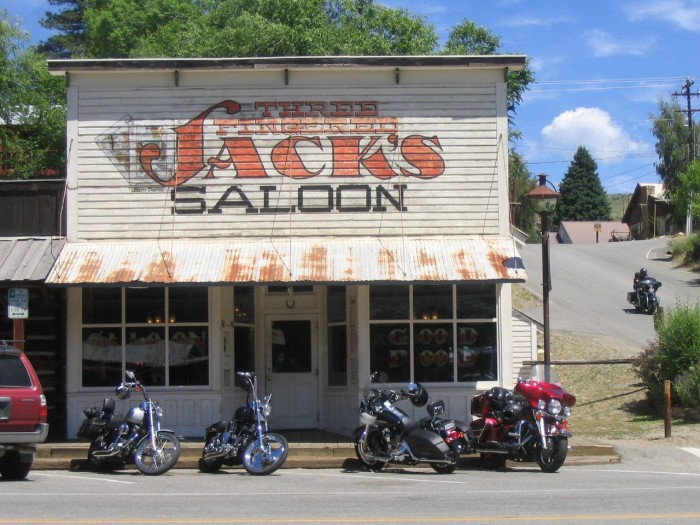 4. You can enjoy fantastic food and drinks at the oldest legal saloon in the state.
