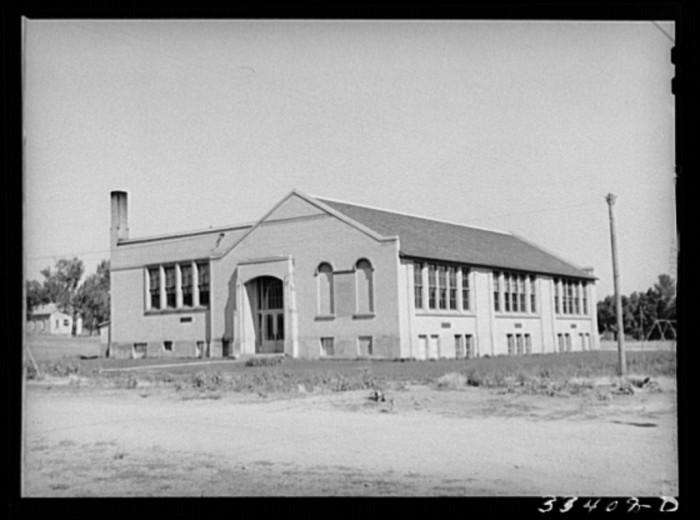 18. Schoolhouse, Mendon
