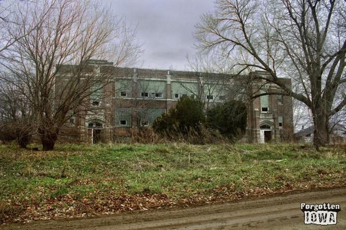 10. Searsboro School, Searsboro