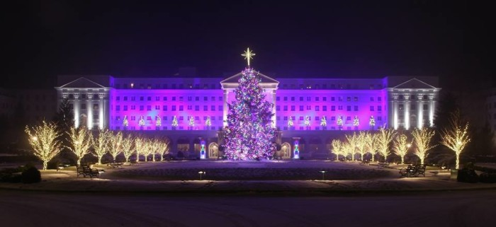 3. 60 Spectacular Days of Holiday Cheer at the Greenbrier