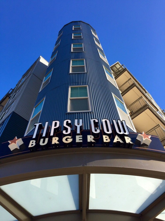 1. Tipsy Cow Burger Bar, Redmond