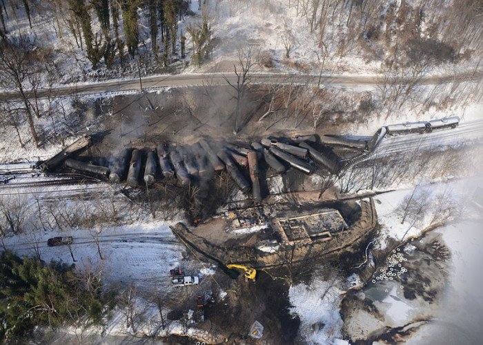 1. A train derailed in Mount Carbon.
