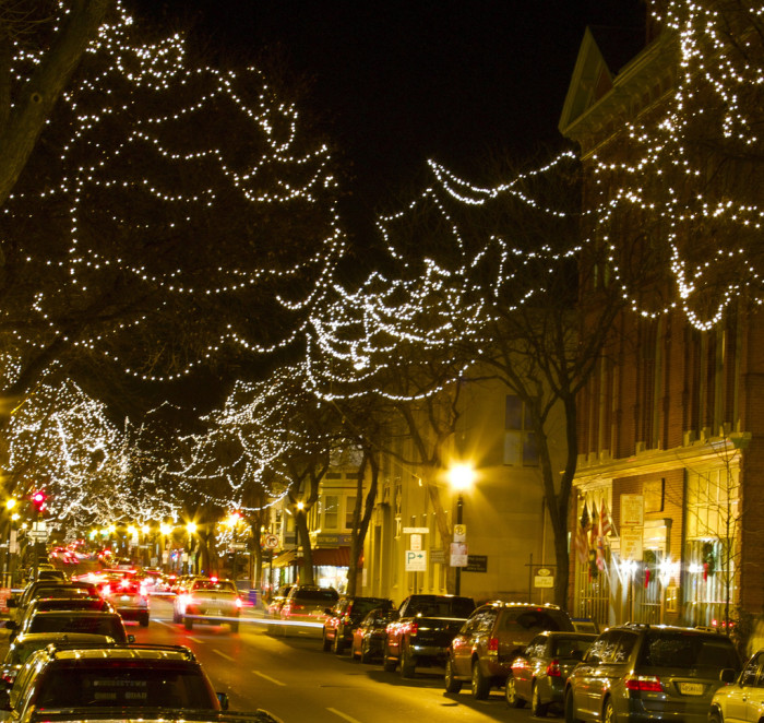 The Top 12 Christmas Towns In Maryland