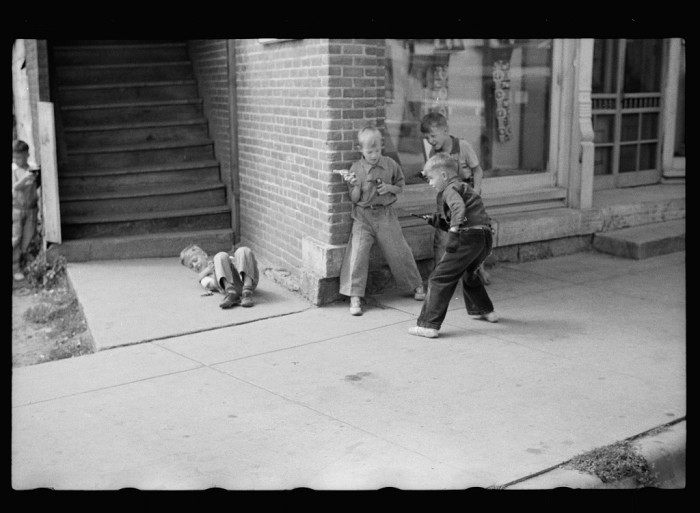 6. These youngsters are in a toy gun fight in Boscobel in 1939.