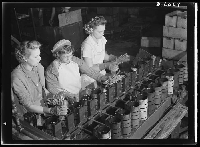 13. Women work a canning job in Rochelle in 1942.