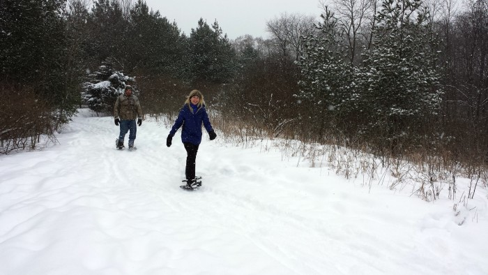 4. Winter means that we can do all sorts of physical activity outside, like cross-country skiing. It's fun and it burns calories!