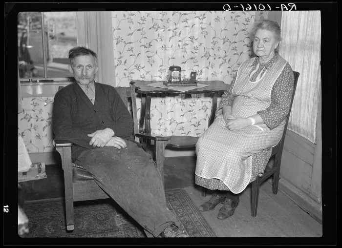 2. George Finkle and wife relax in their home near Marseilles, Illinois in 1937.