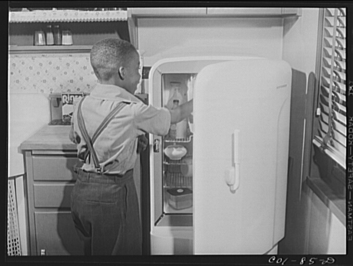 7. This is a kitchen scene from the Carr home in Chicago.