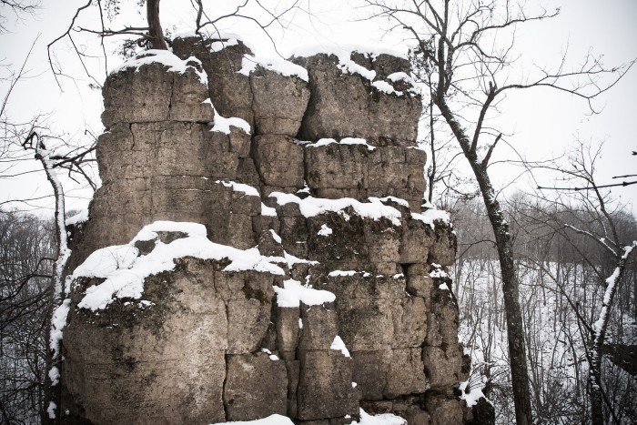 4. Apple River Canyon State Park