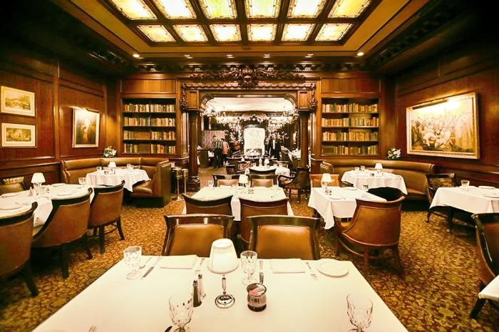 1) Hy's Steakhouse, Honolulu