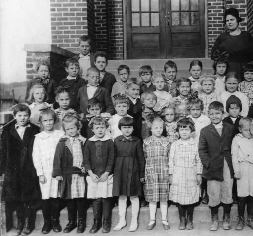 1) Powell Grammar School in 1913