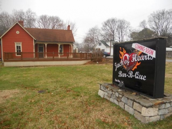 10) Jack of Hearts Bar-B-Que - Spring Hill