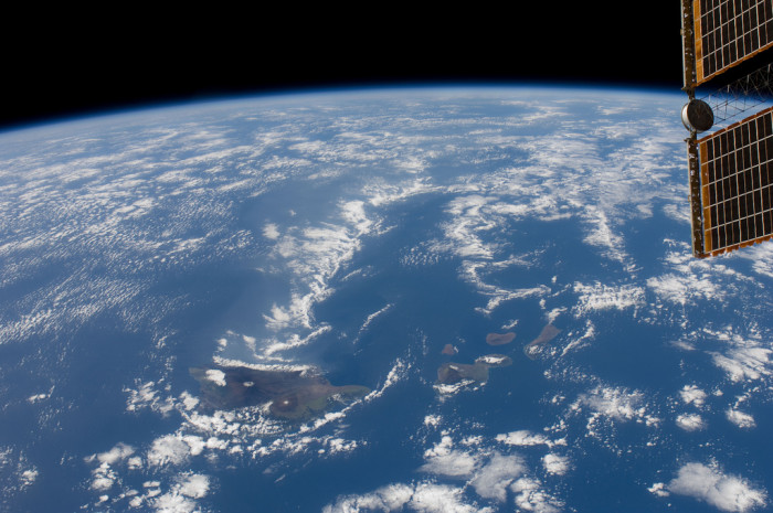 10) Spanning more than 1,500 miles and 10 degrees of latitude, the Hawaiian Islands are the world's largest archipelago.