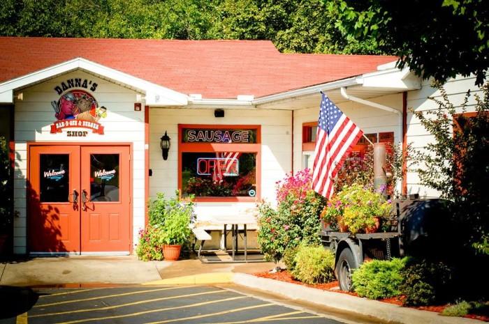 10.Danna's BBQ & Burger Shop, Branson West