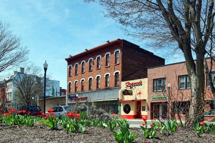 5. Franco's Lounge, Restaurant, & Music Club, Williamsport