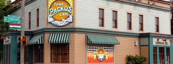 4. Tony Packo's (Toledo)