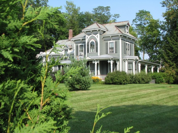 9.  Farnsworth Residence built in 1882 in Middlebury