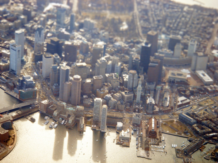 5. This tilt-shift photograph of Boston makes the city look like a toy set.