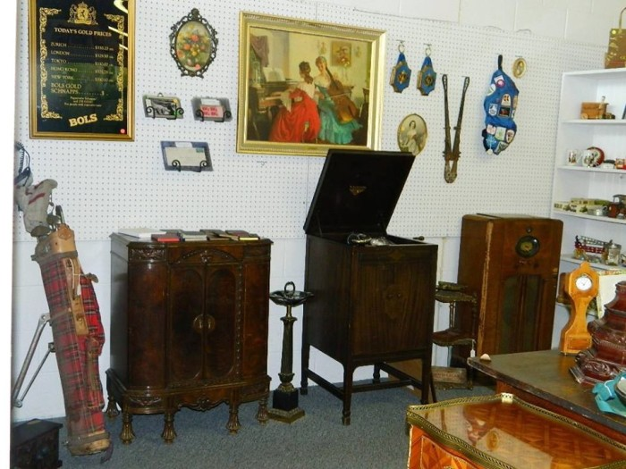 Facebook/AntiQues Minnesota Inc. - 11 Amazing Antique Stores In Minnesota