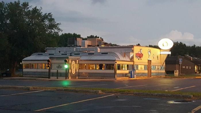 7. Nancy's Main Street Diner (Grafton)