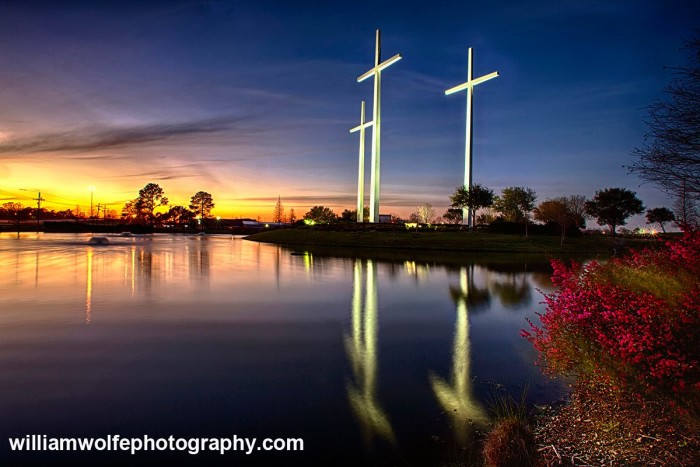 9. Three of the biggest crosses in America?