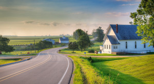 These 12 Road Trips In Iowa Will Lead You To Places You'll Never Forget
