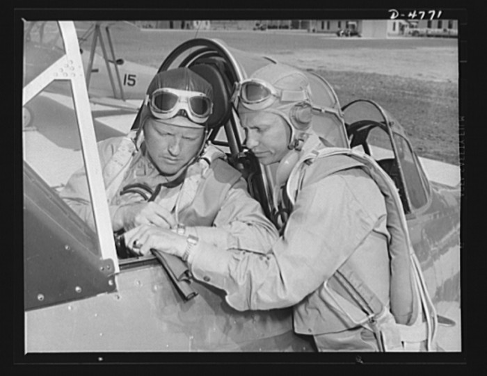 13. Lieutenants study glider piloting at Parris Island. 1942.