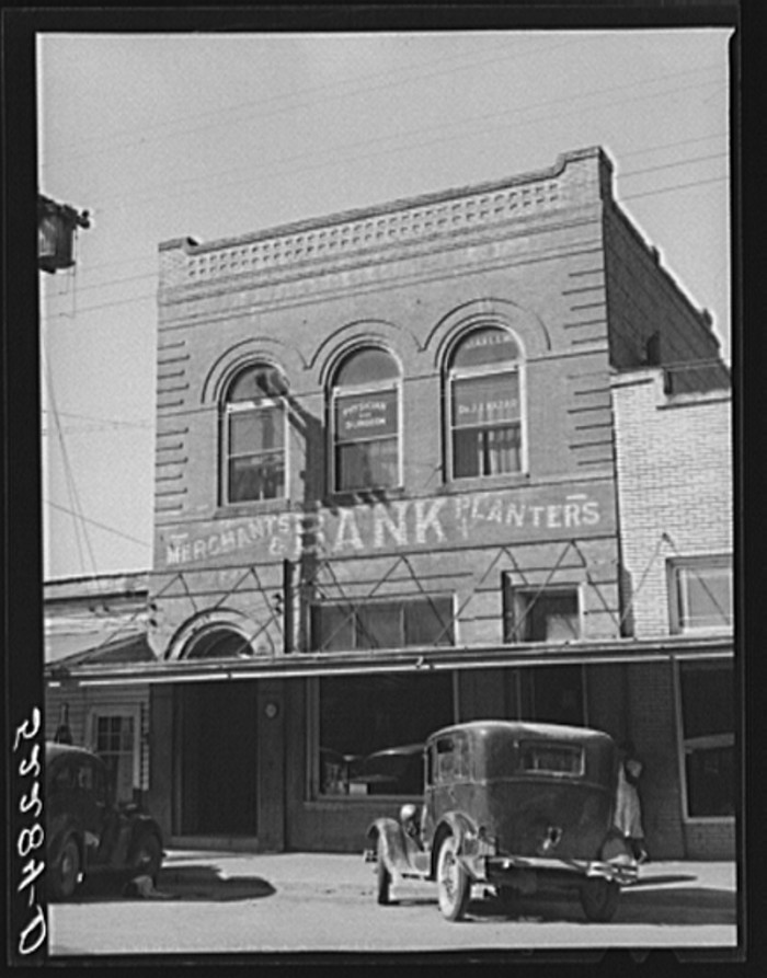 14. Even with thousands of banks closing nationally during the course of the Great Depression, they were still pretty common sights. This Tchula bank was photographed in 1939.