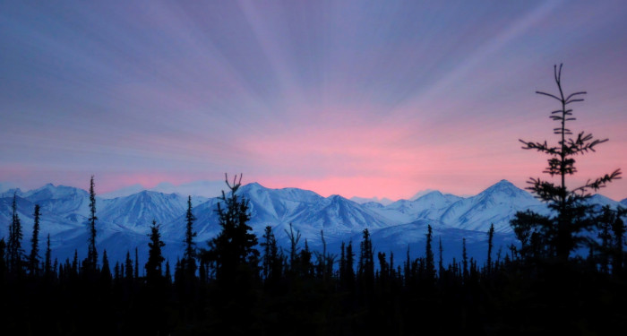 4) Who doesn't love an Alaskan mountainous backdrop like this one?