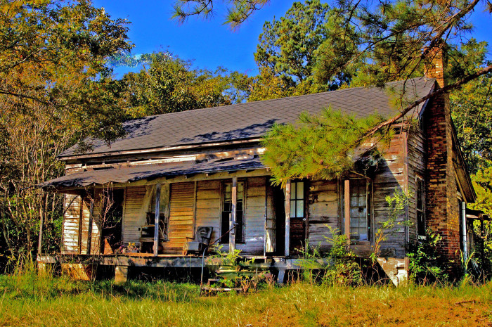 11. This abandoned house is located somewhere between Ozark and Ariton.