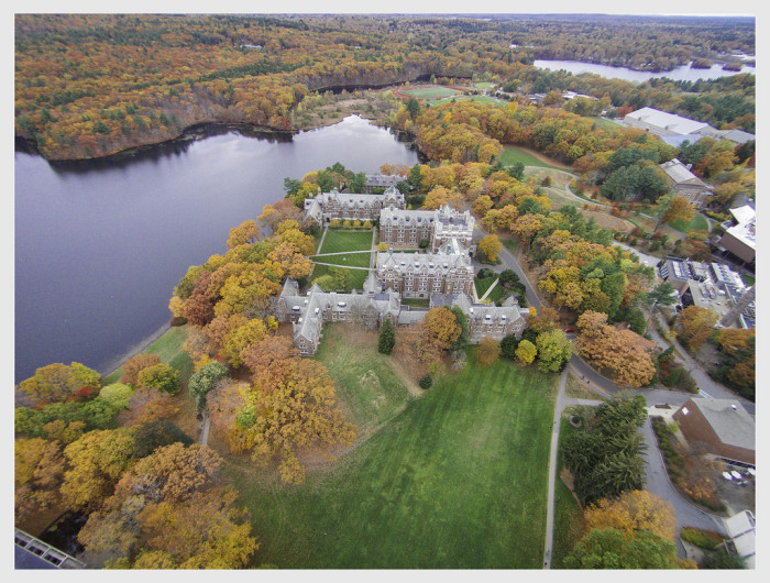 11. Wellesley College looks good in autumn colors.