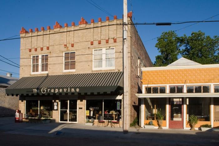 9. Grapevine Café & Gallery, Donaldsonville, LA