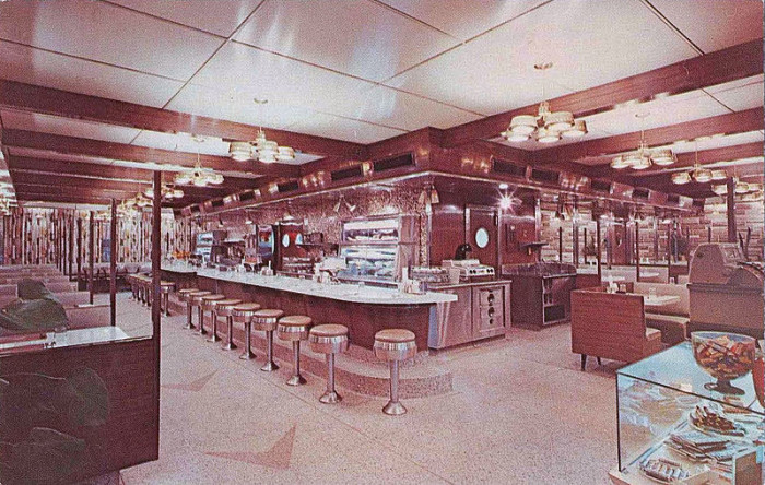 10. The Plain and Fancy Diner in Allentown in 1959.