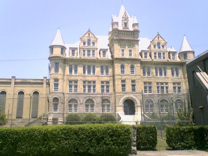 2) Tennessee State Prison - Nashville