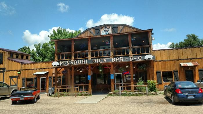 2.Missouri Hick Bar B Que, Cuba