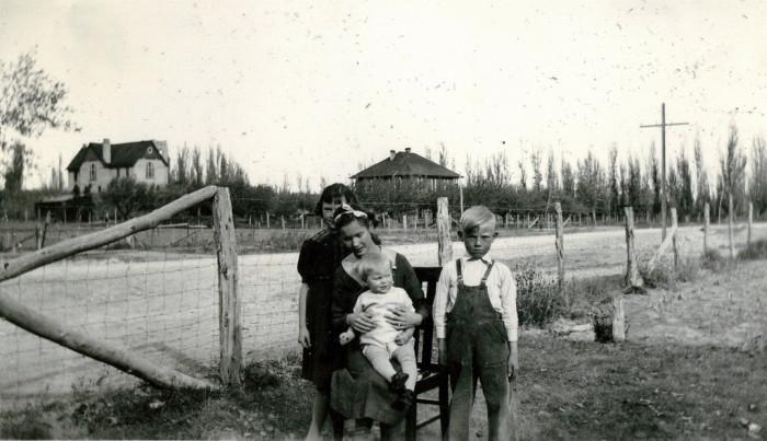 14. Family in Ferron