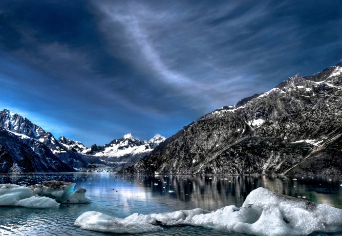 13) Sunshine, rain, or snow, Glacier Bay is totally jaw-dropping.