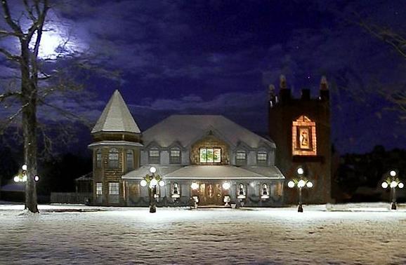 2. Castle House, Morton