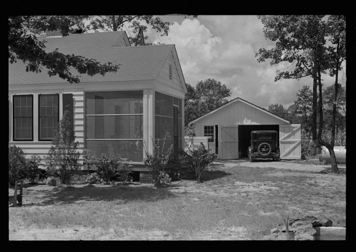 2. A Lauderdale County residence, complete with a garage, is photographed in 1935.