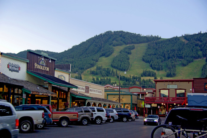 10 charming towns in wyoming for Towns near jackson hole wyoming