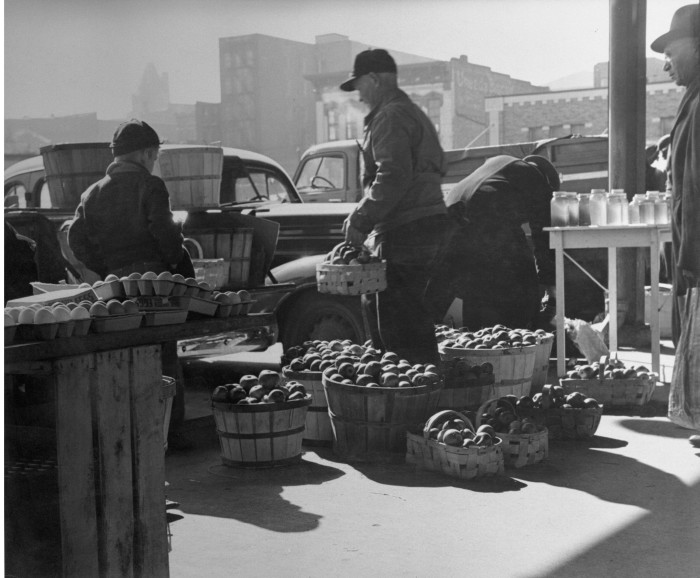 3.	Farmers unload produce at City Market in Kansas City, 1950.