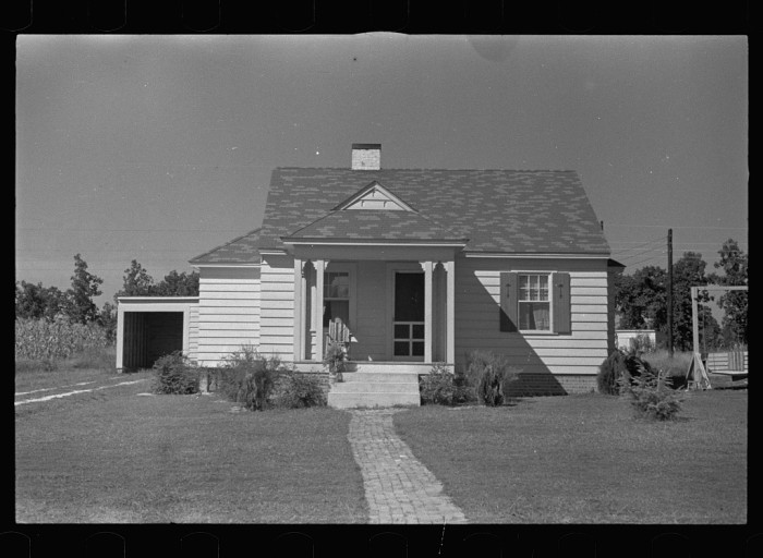 3. This quaint home was photographed in Tupelo in the summer of 1935.