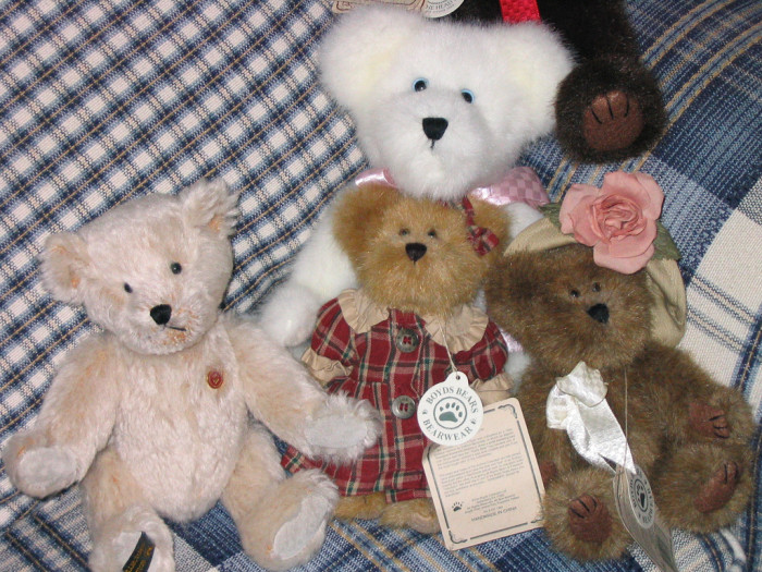 """5) A Boyds Bear. They're """"collectibles"""" and you won't let anyone tell you different."""