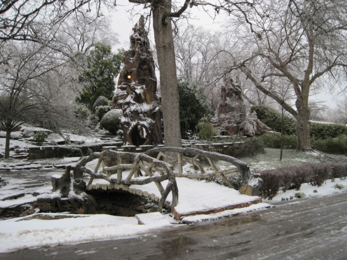 4) Chrystal Shrine Grotto is looking a bit frozen over