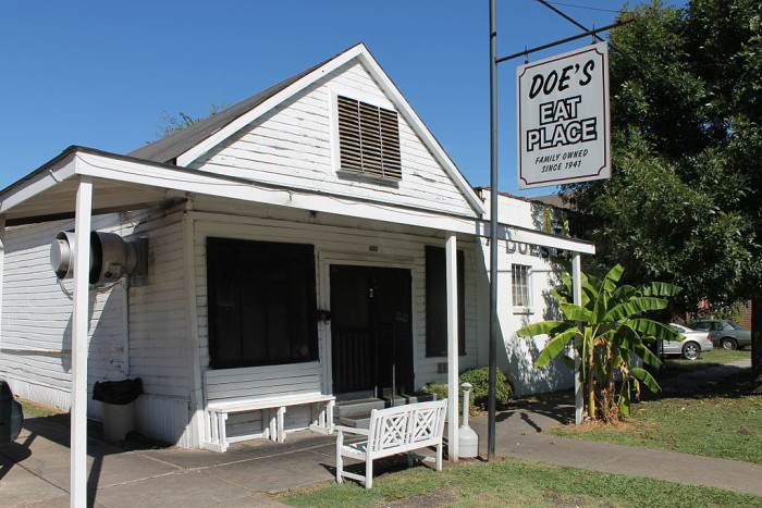 4. Doe's Eat Place, Greenville